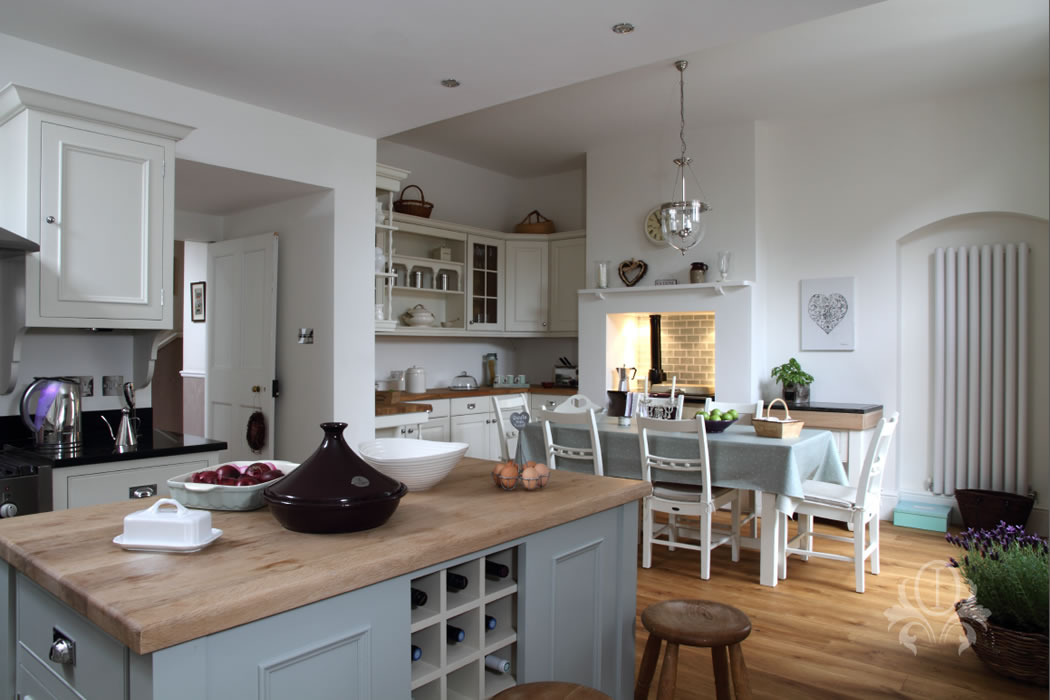 Attractive Traditional Kitchen Interior Design, Weybridge Surrey