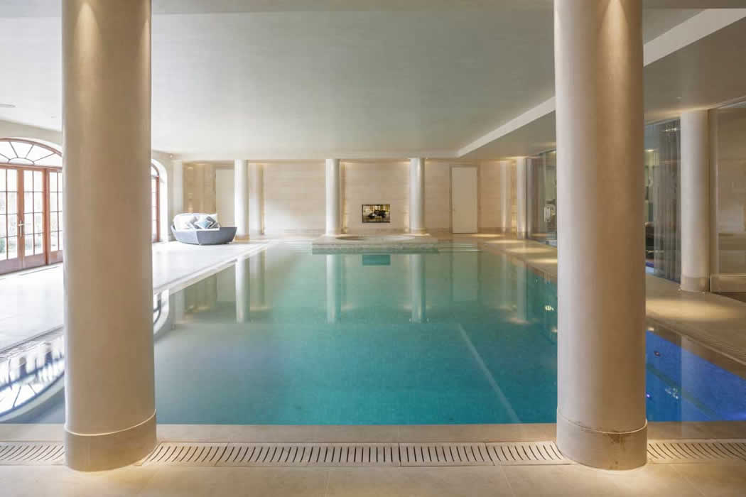 Audio visual installation in swimming pool of luxury house for Interior design surrey